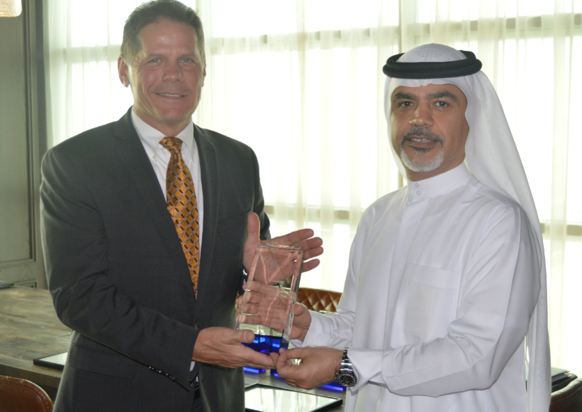 Vince Reyda, Senior Vice President of FM Global & Saeed Mohammed, CEO, Emirates Flight Catering