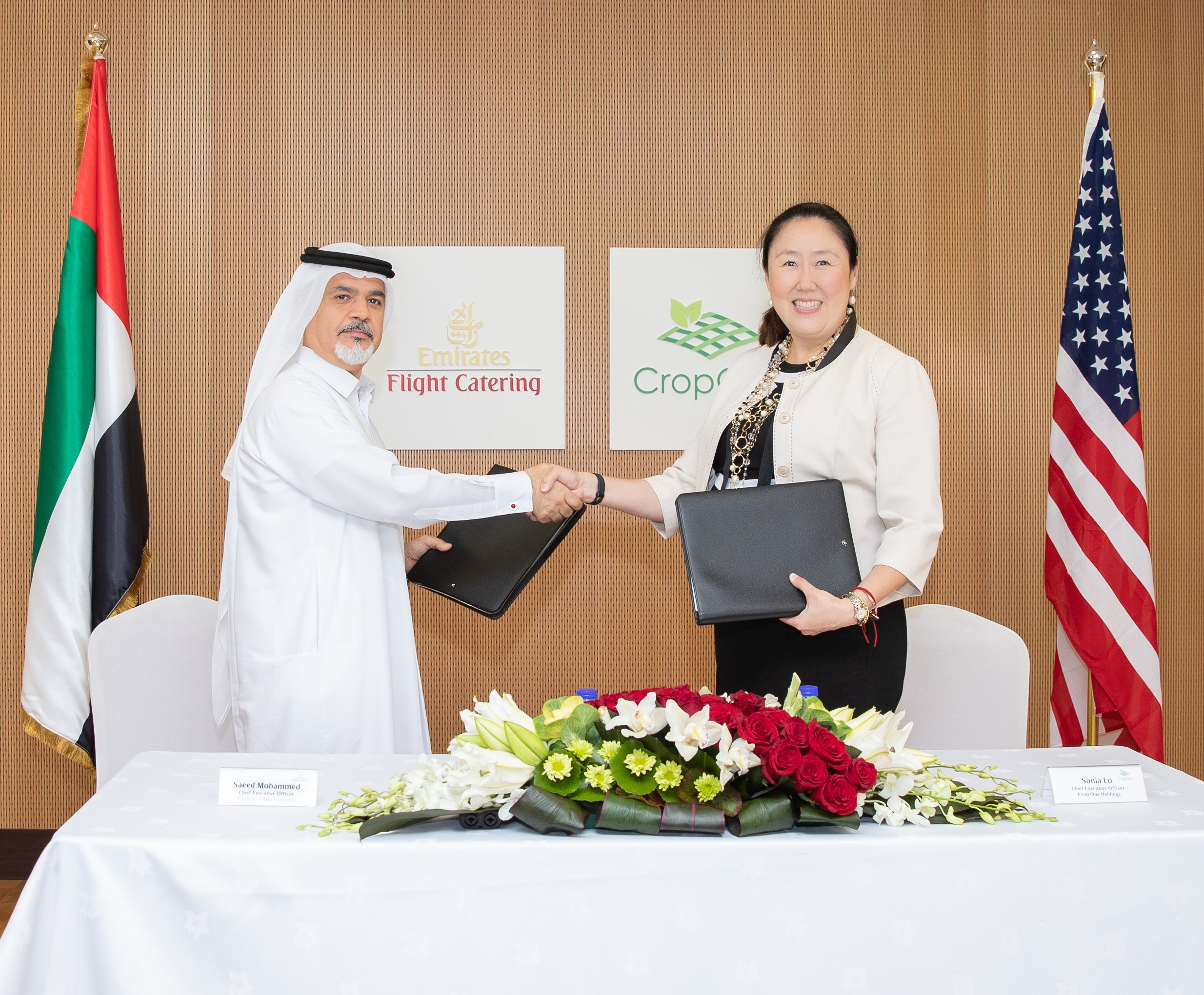 (from left to right) Saeed Mohammed, Chief Executive Officer of Emirates Flight Catering, and Sonia Lo, Chief Executive Officer of Crop One Holdings, after signing the joint venture agreement